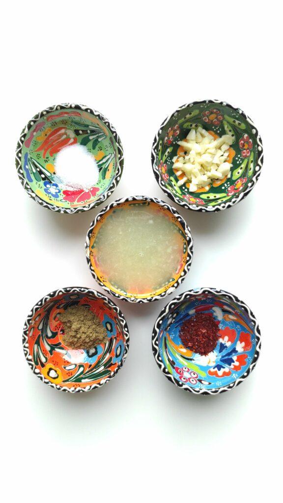 Orientalische Keramikschüssel